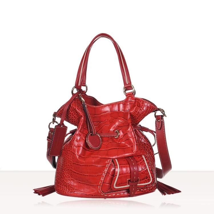 sac lancel premier flirt rouge croco Réinterprétation modernisée de l'emblématique premier flirt en rouge et rouge white sneakers lancel sac seau le huit s croco.